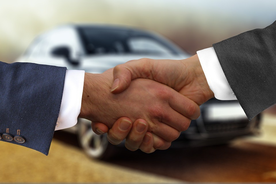 Tips for Negotiating With a Car Dealer